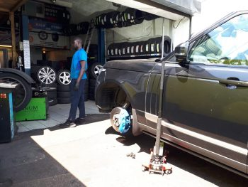 Range Rover tyres fitting by Deals on Tyres Ltd. 2